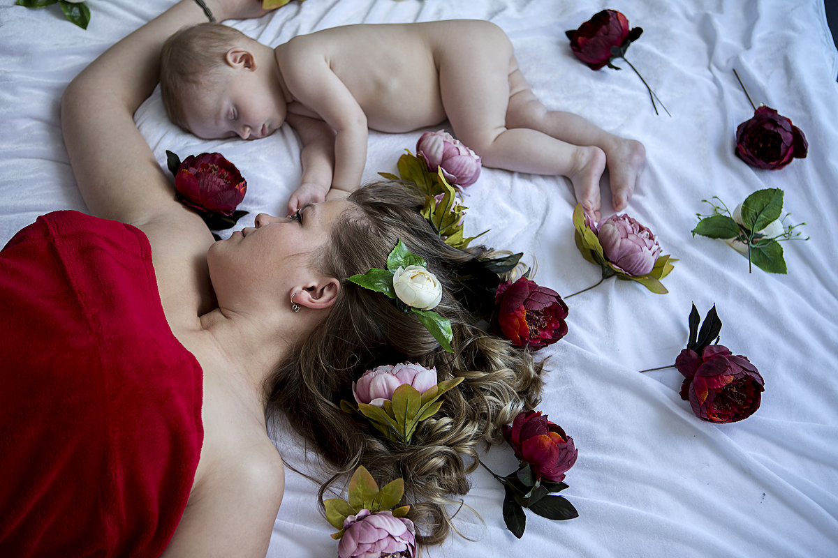 мама с младенцем - Виктория