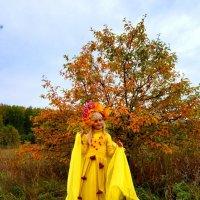 Осень молодая в гости к нам пришла....... :: Надежда