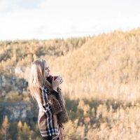 Осень и горячая кружечка кофе... :: Сергей Могучёв