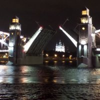 Развод моста. :: Марина Харченкова