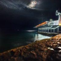 Луна и апельсин :: Виталий Нагиев