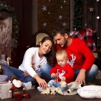 Новогодняя семейная фотосессия :: Алёна Абросимова