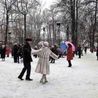 Танцы на снегу. :: Лара ***