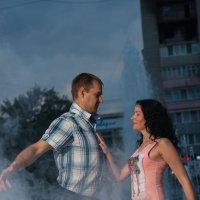 танец у фонтана :: Сергей M