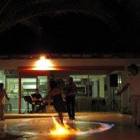 Огонь и страсть греческого вечера! :: ponsv