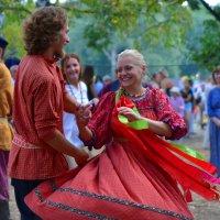 Танцы под гармонь. :: Наталья