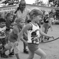 Кто быстрее! :: Светлана Зайцева