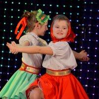 Сладкая ты моя,ягодка-малинка.. :: Лариса Красноперова