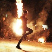 Танец с огнем :: Alina