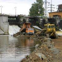 Реконструкция плотины электроцеха Алапаевского металлургического завод :: Денис Томилов