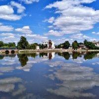Отображение облаков в воде. :: Сергей