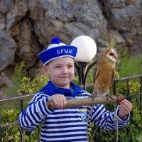 Мальчик с птицей :: Валерий Новиков
