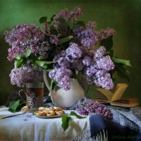 Утро с ароматом сирени :: Марина Орлова