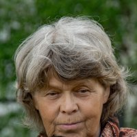 Пенсионерка, бывшая крановщица. :: Валерий Симонов