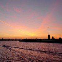 Закат над Петропавловской крепостью. :: Андрей