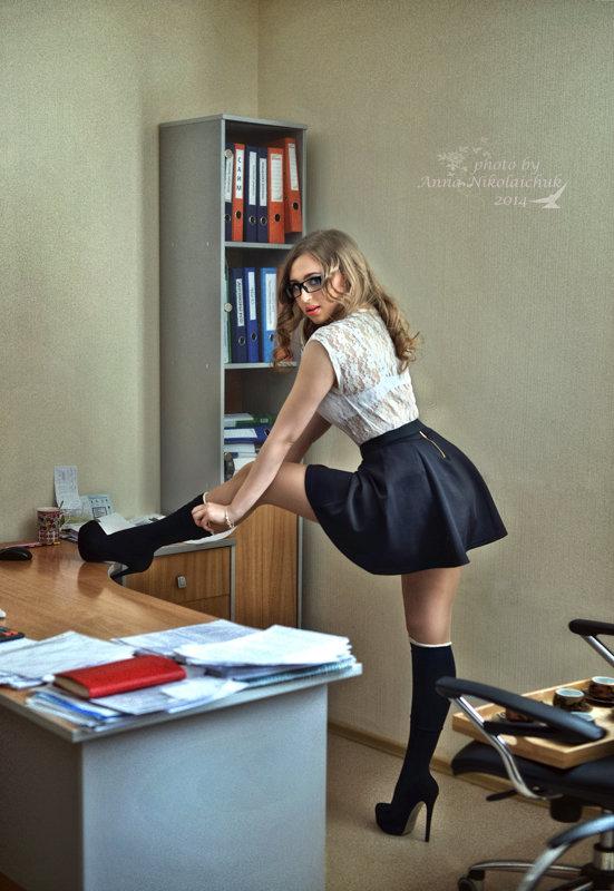 sekretarsha-anya