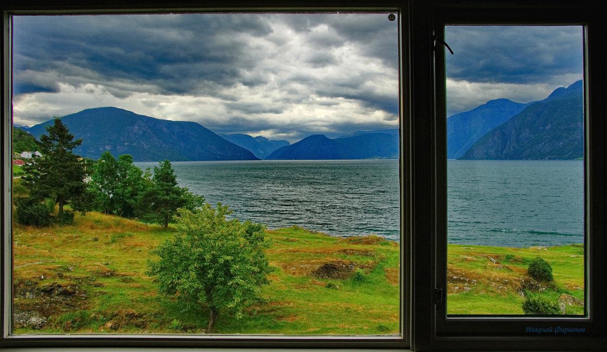 Вид из окна гостиницы - Николай Фарионов