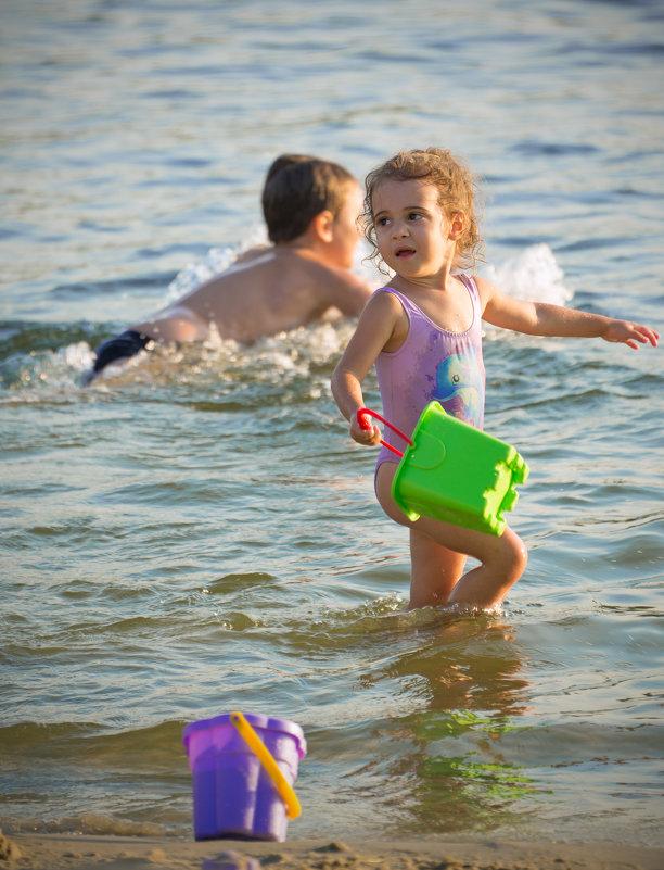Солнце, водичка и ведёрки- детство проходит как надо!!! - Оксана Коваленко