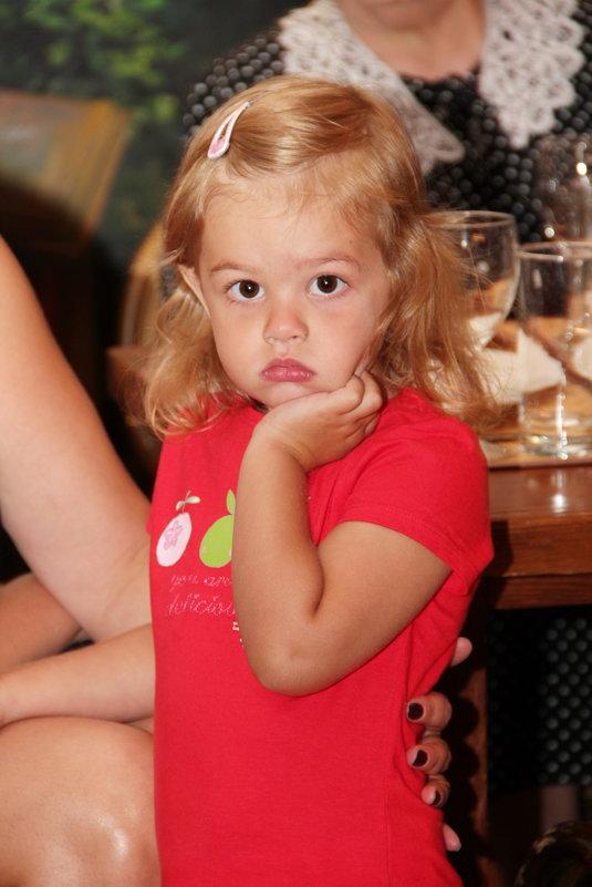 Случайный кадр, или девочка, которая не любит фотографироваться! - Галина Смирнова