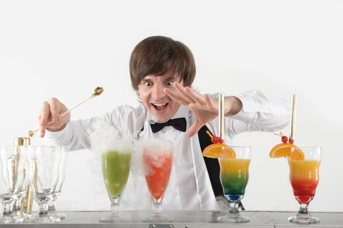 attributes of a professional bartender The totality of the bartender can be seen not only with his physical attributes but also through his words, actions and way of thinking 2 sense of humor bartending is a serious job this needs focus and presence of mind but, a good bartender knows how to work properly, yet, laugh that sometimes, cracking jokes is being part of his functions.