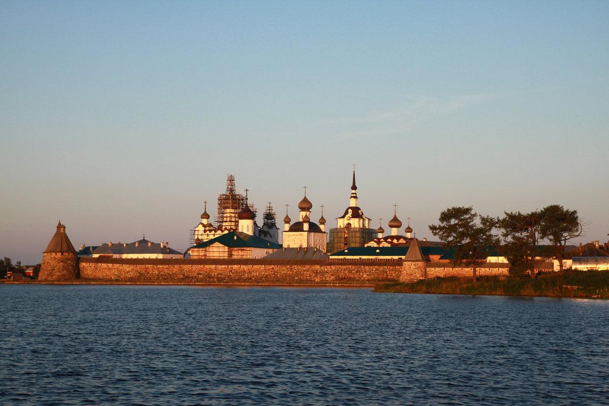 Утро над монастырём - Сергей *