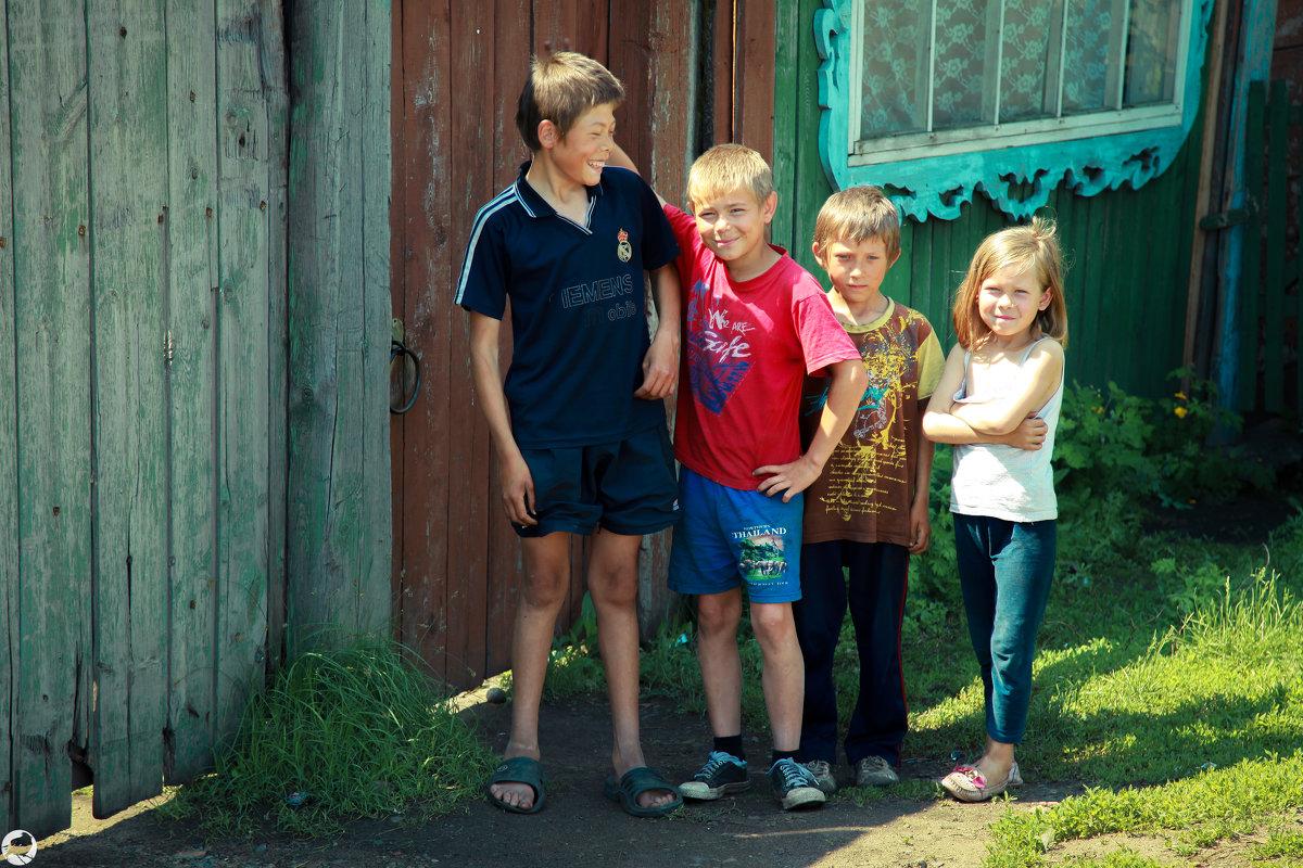 дети в деревне - Павел Крутенко
