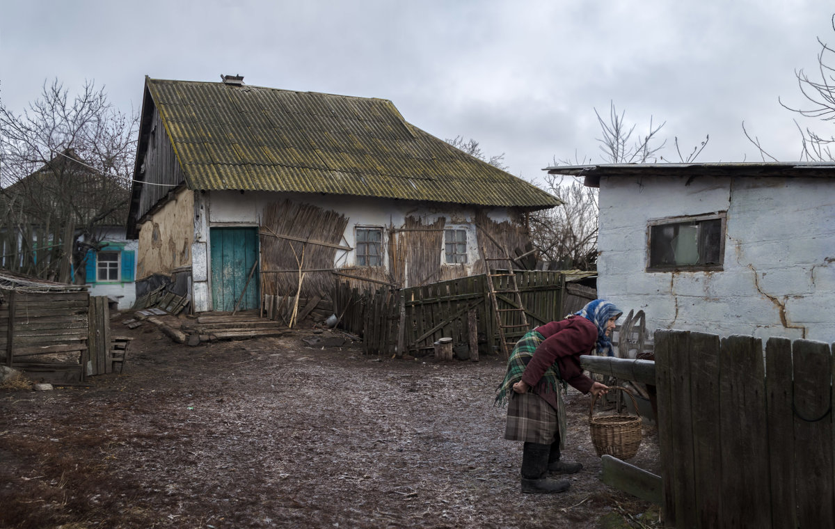 Старый сельский дворик - Лидия Цапко