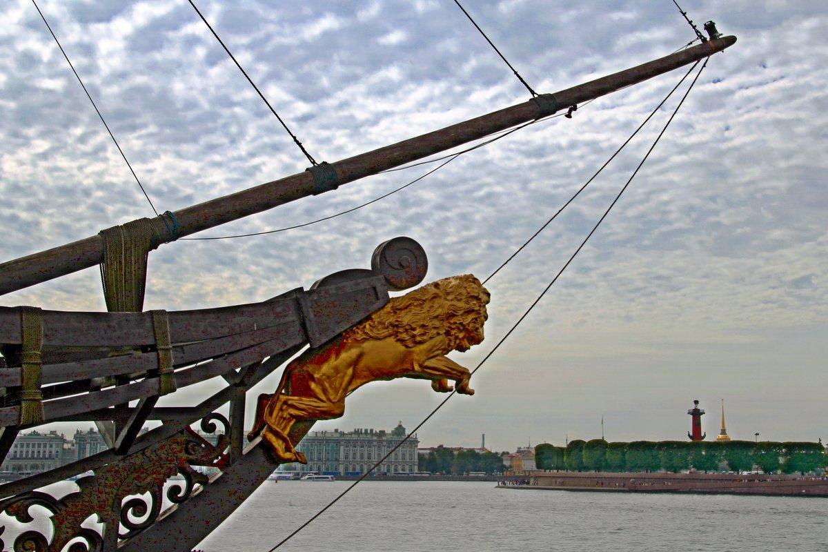 Лев готовится к прыжку - Сергей