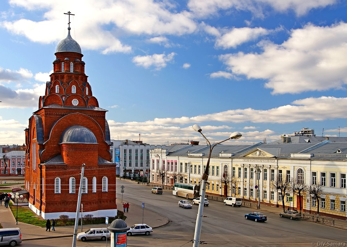 Старообрядческий храм Троицы Живоначальной на Театральной площади во Владимире - Денис Кораблёв