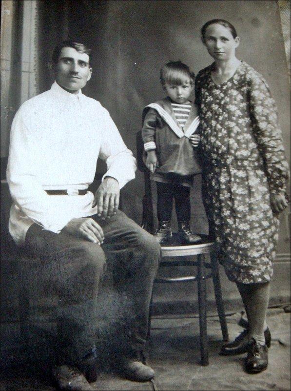 Семья. 1932 год - Нина Корешкова