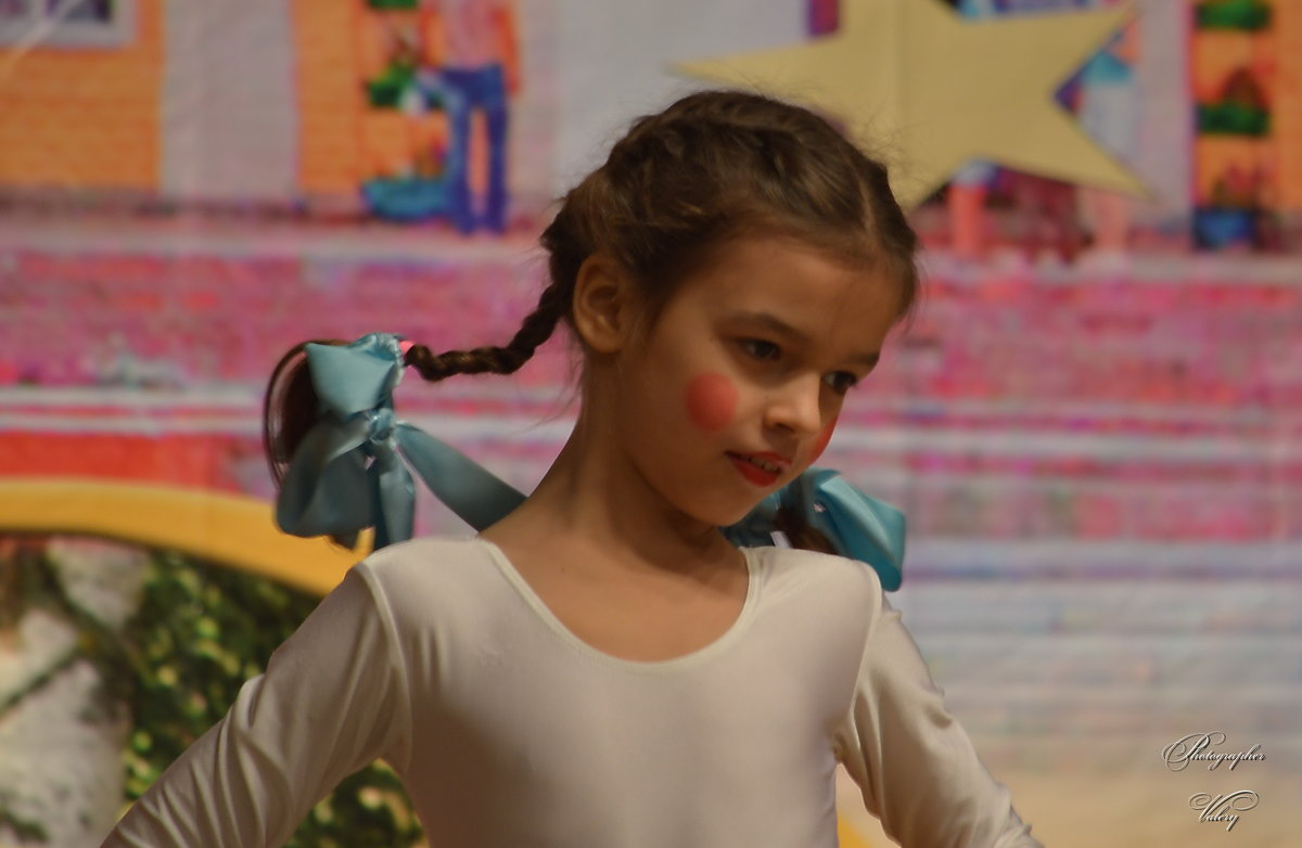 Юная танцовщица - Валерий Лазарев