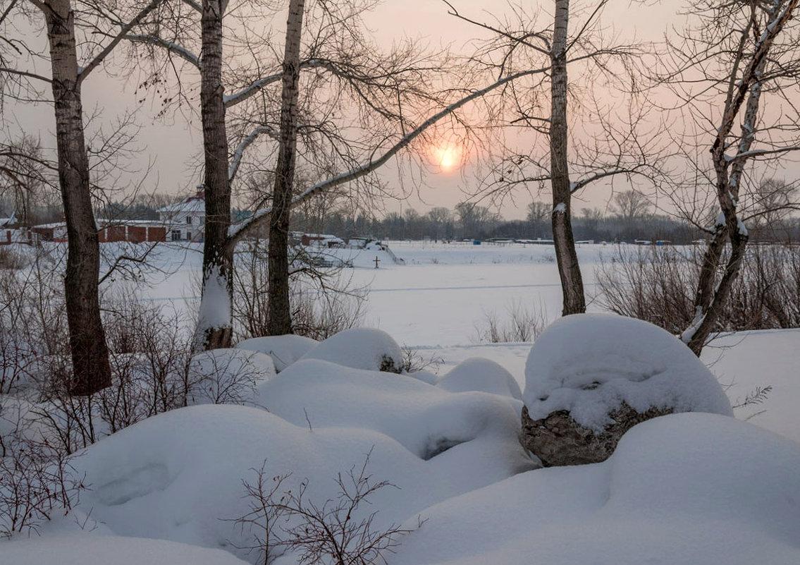 Угасал зимний день - Любовь Потеряхина
