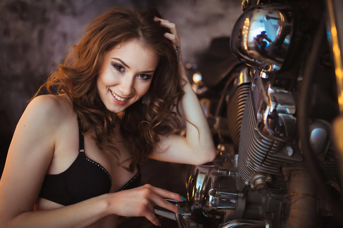 Девушка и мото 2 - Денис Буров