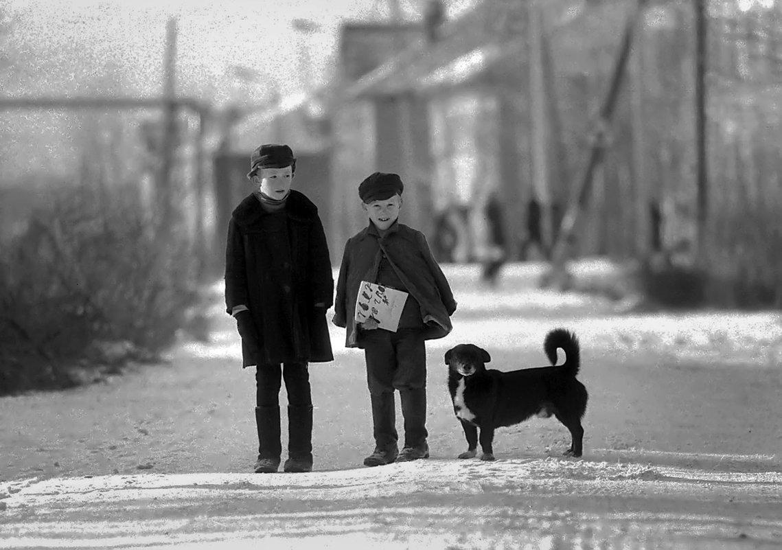 В нашем городке - Валентин Кузьмин