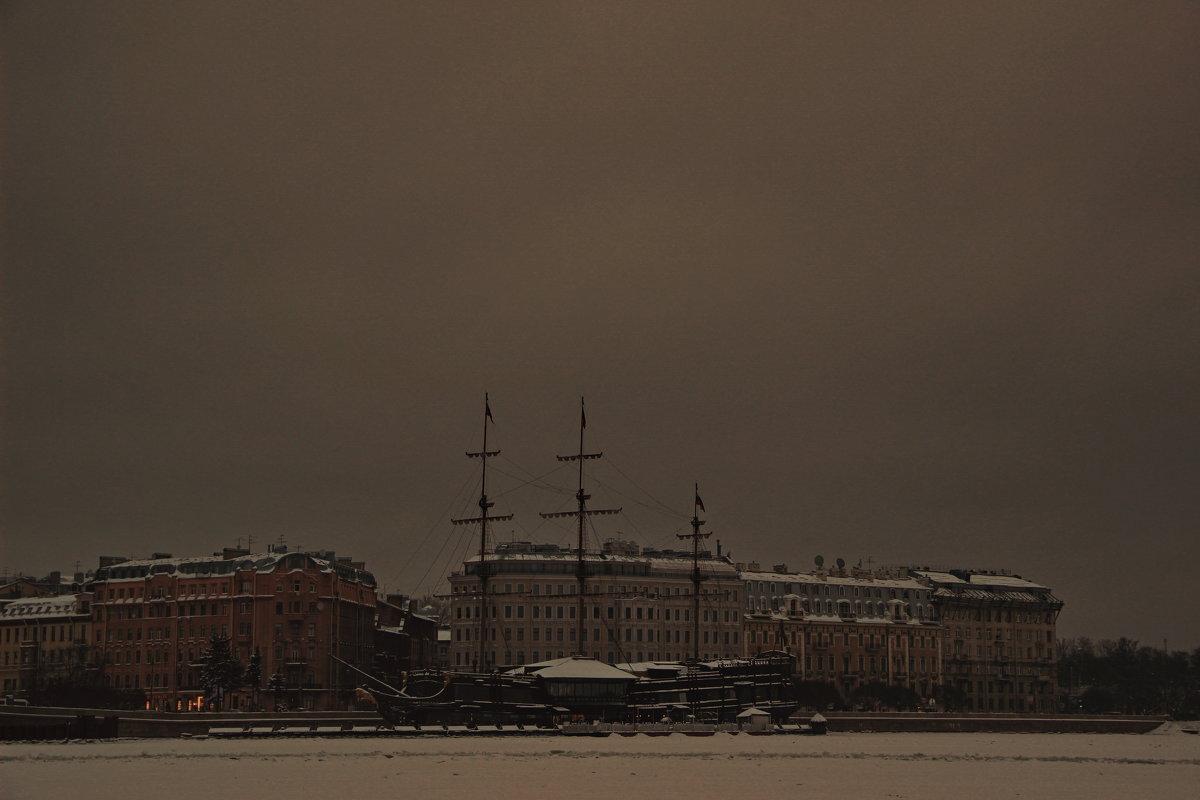 Хмурый рассвет над Невой - Алексей Корнеев