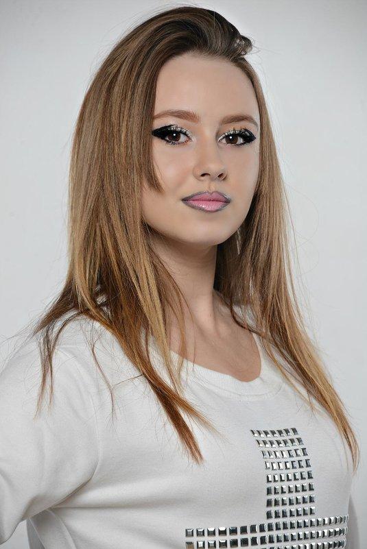 Полина - Карина Заика