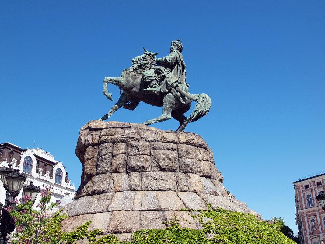 Памятник Богдану Хмельницкому в Киеве - Олег Шендерюк