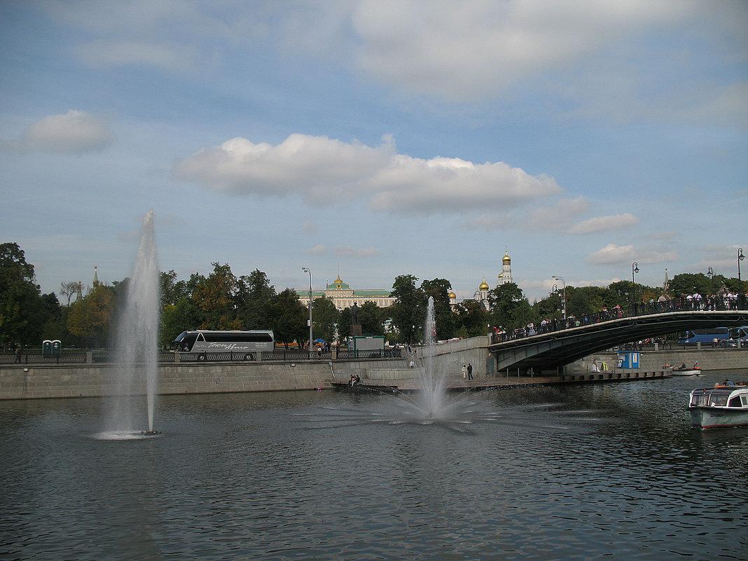 Москва. - Larisa