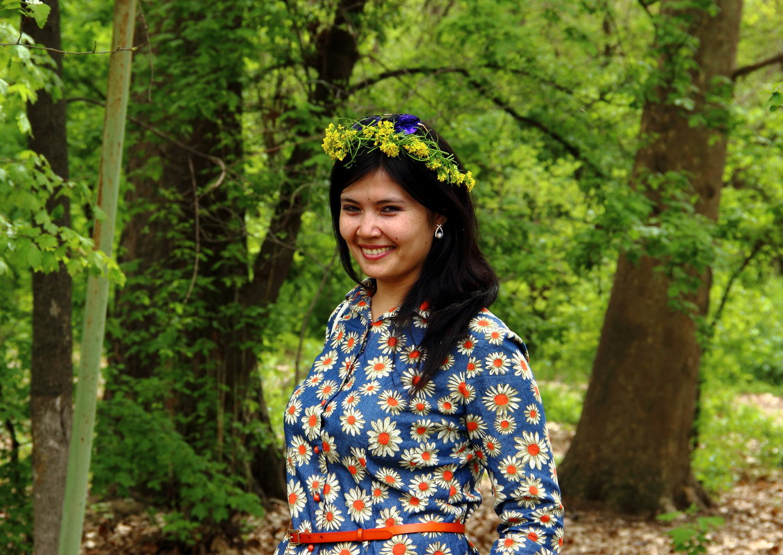 Девушка-красавица повстречалась мне в саду - Светлана