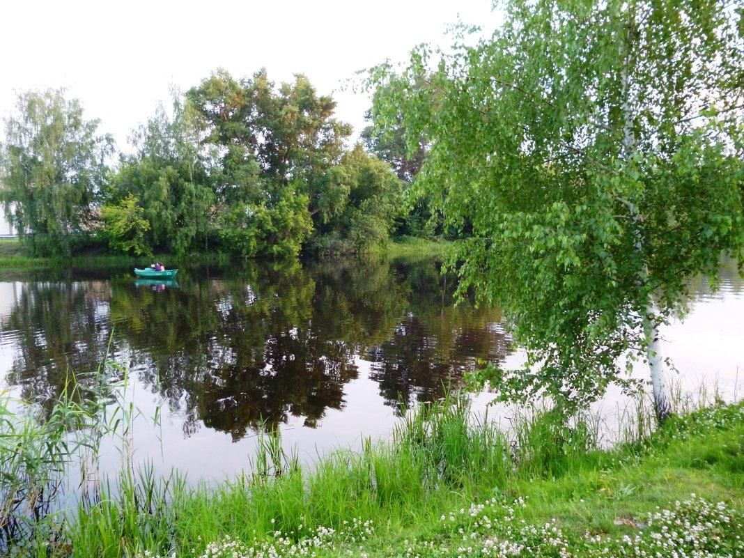 У озера - Ольга Мишустина
