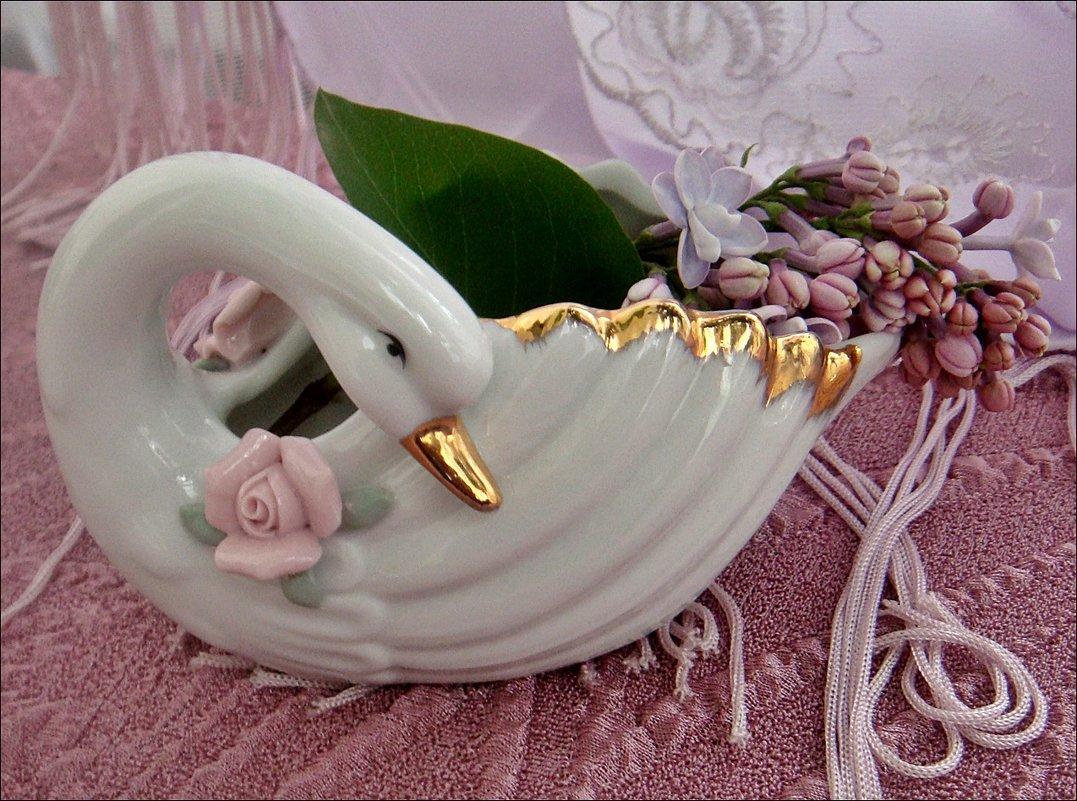 Белая лебедь этой весной - Нина Корешкова