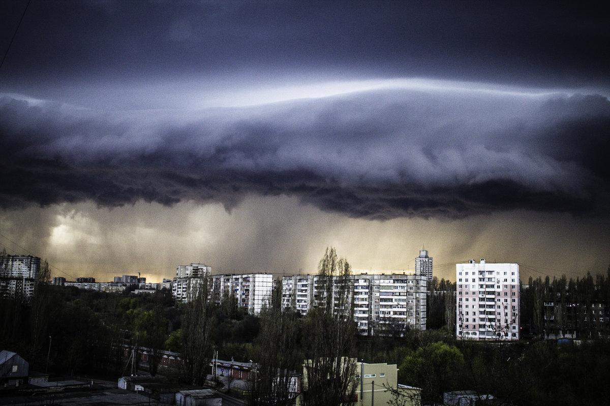 Облака перед бурей в Липецке - Илья Пчельников