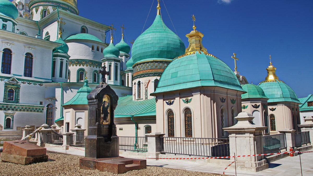 Ново-Иерусалимский монастырь в Подмосковье. - Лара ***