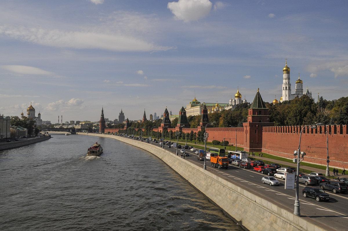 Знакомая всем архитектура - Аркадий Беляков