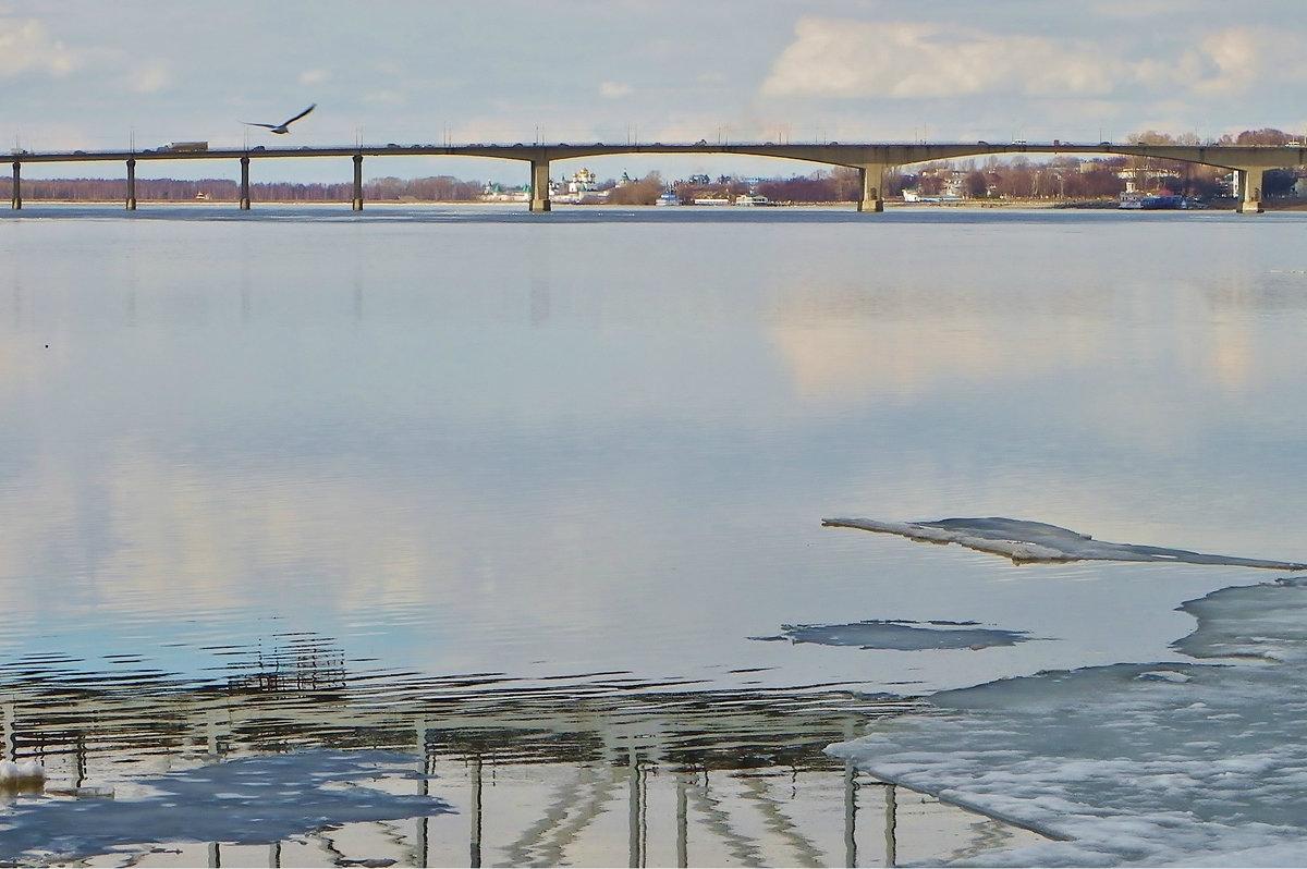 На Волге лед сошел.......... - Святец Вячеслав