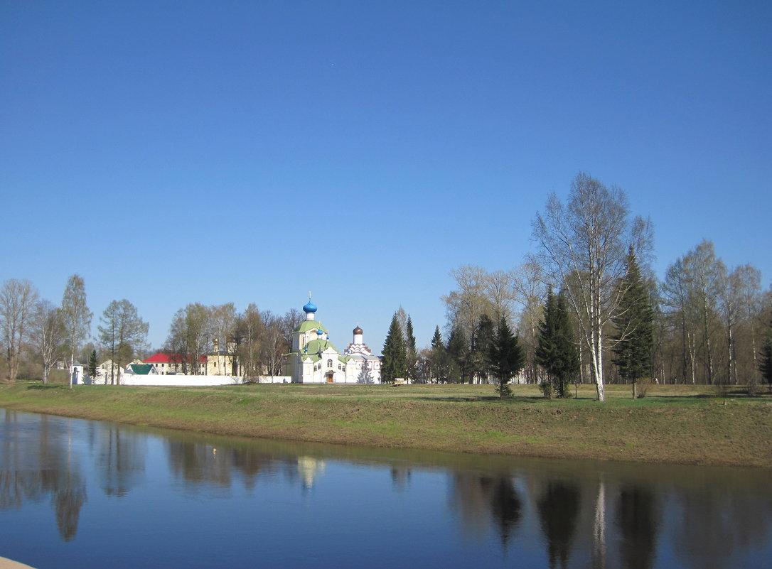 вид на Тихвинский мужской монастырь - Ольга Варванец