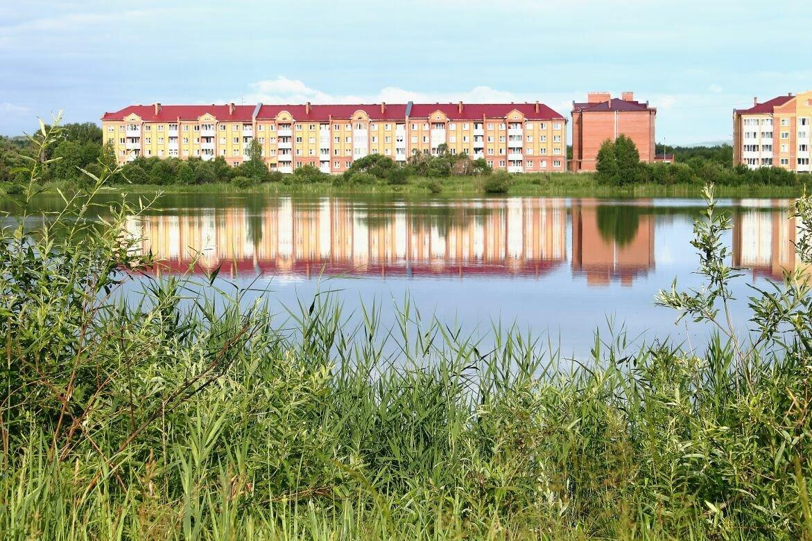 отражение дома в озере - Мария К
