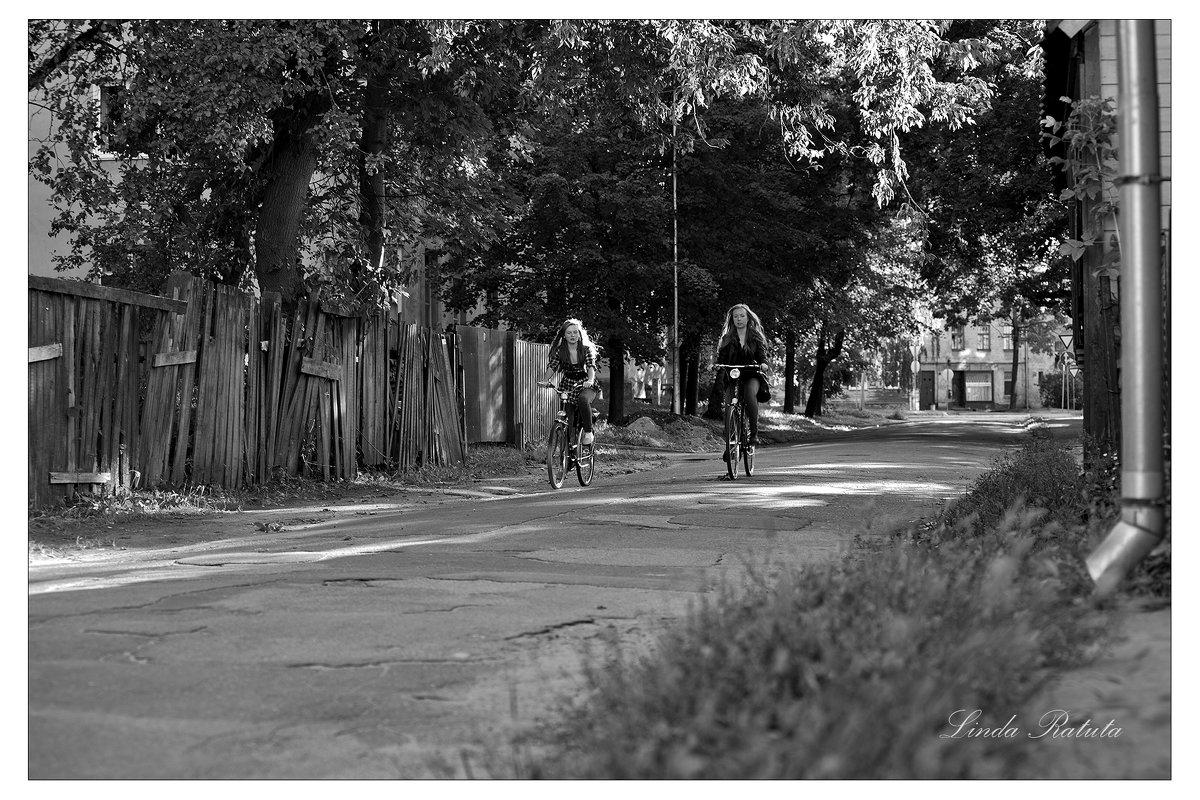 old street - 4 - Linda Ratuta