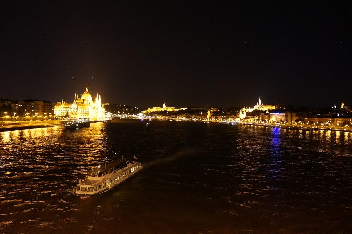 Ночной Будапешт - Алёна Савина