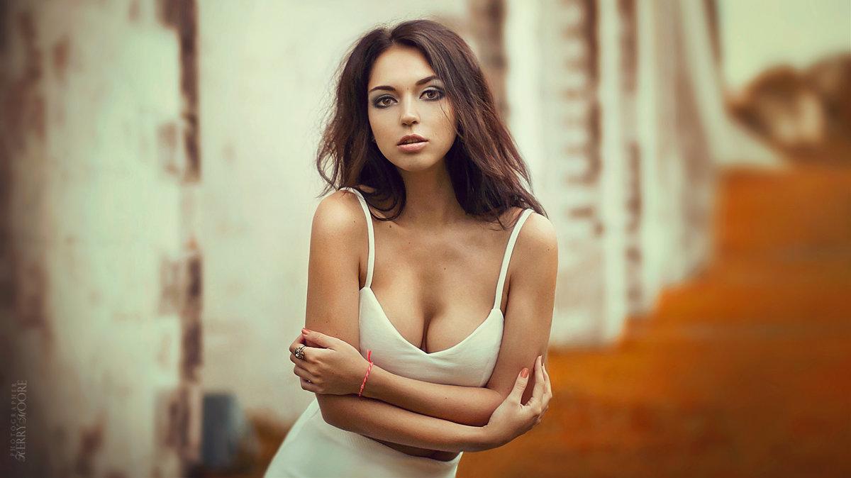 Oksana - Kerry Moore